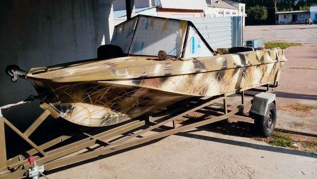 Лодка моторная с двигателем Yamaha + подарок