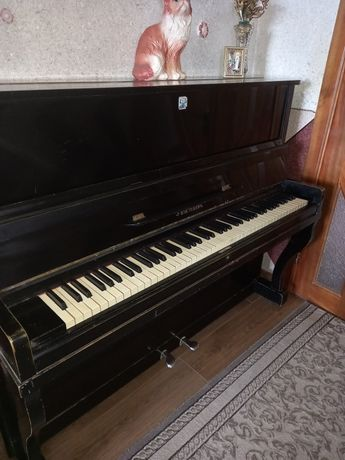 """Продам піаніно """"Україна """""""