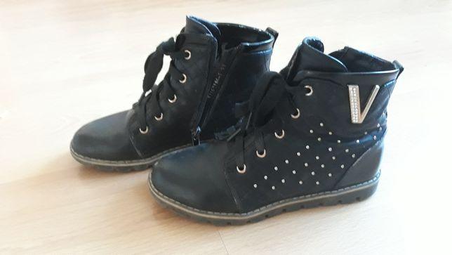 Кросовки ботинки р.33по стельке 20.5см.