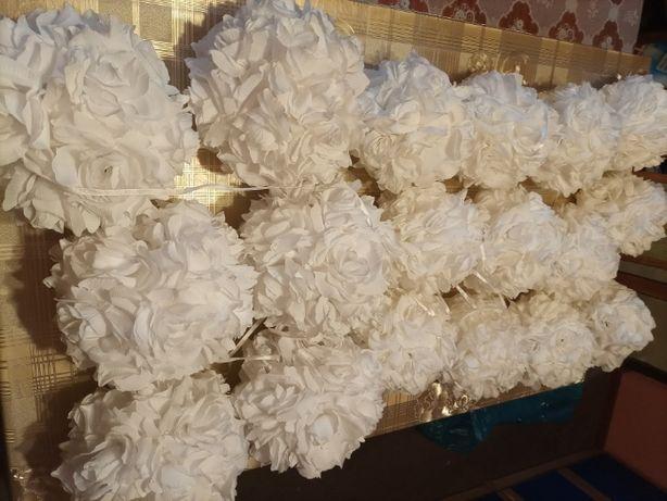 Dekoracja Kule kwiatowe białe