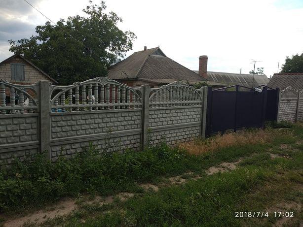 Продам дом в центре Песчаного