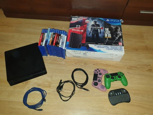 Konsola Playstation 4 ps4 1 Tb  2 pady dużo gier
