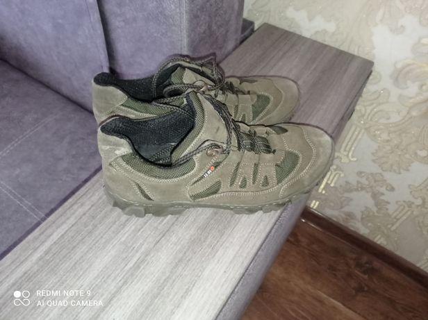 Тактические кроссовки, цвет олива. 42размер.