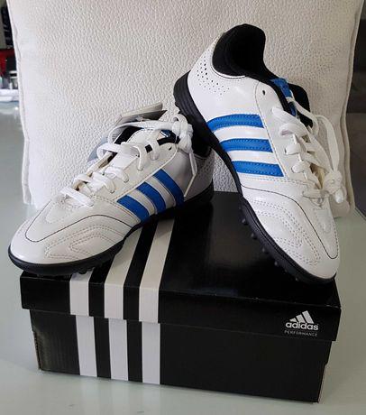 Chuteiras Adidas para Futebol, Novas em Folha, em Caixa Original, N°32
