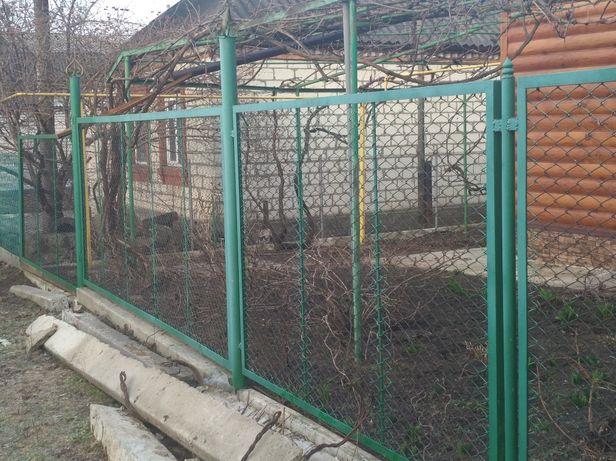 Забор продам металлический