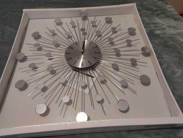 dekoracyjny stylowy zegar ścienny - srebrny