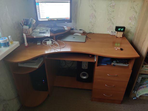 Продам компьютер, компьютерный стол и колонки