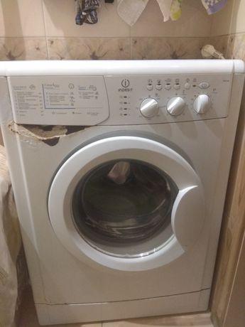 Продажа стиральной машины Indesit