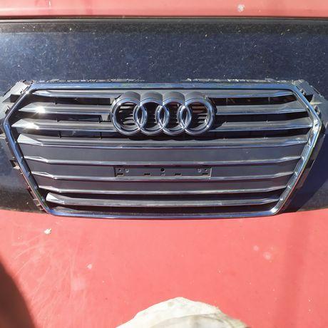 Решетка 2017 Audi A4 8W0.853.651-BR