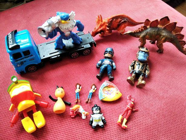 Zestaw zabawek, auto dinozaury