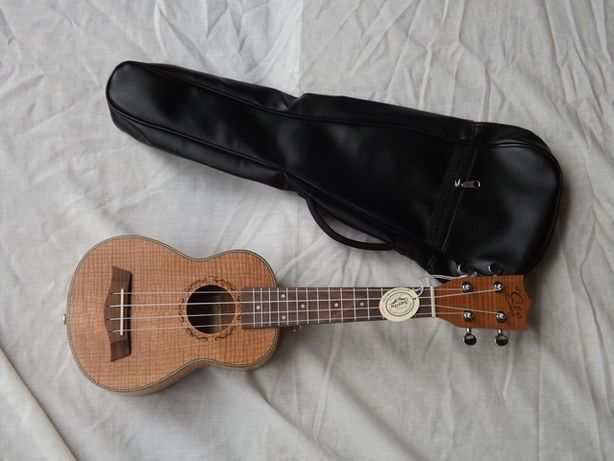 ukulele soprano de koa e kit