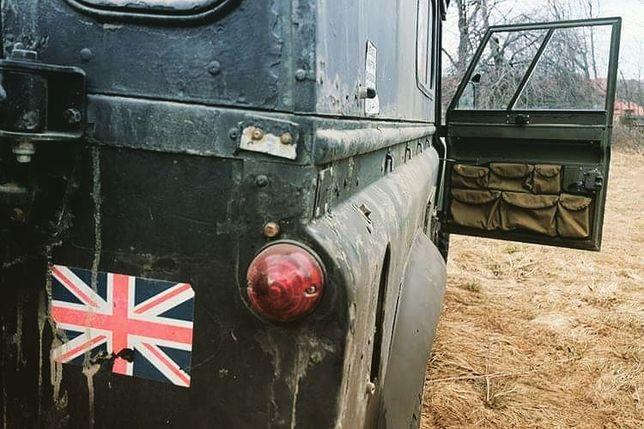 Land Rover Defender: 90/110, Series Organizer na drzwi