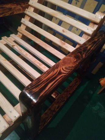 Дерев'яні крісло