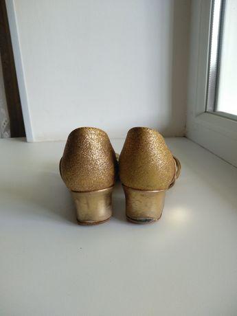 Детские бальные туфли
