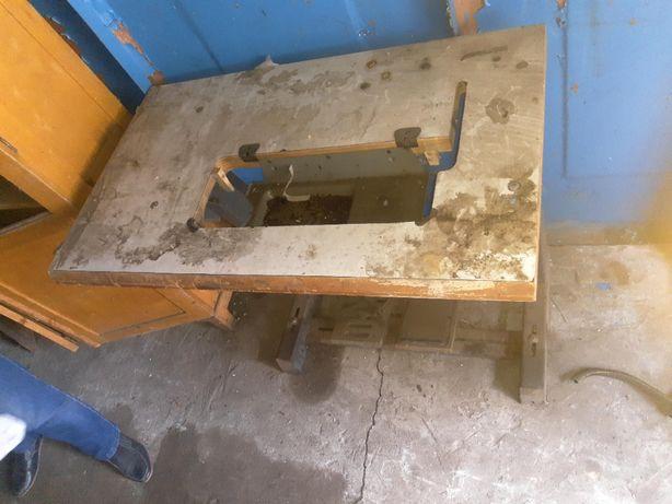 Швейный стол промышленный для швейных машин заводская станина возможно