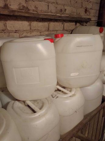 Канистры 30 литров б/у.