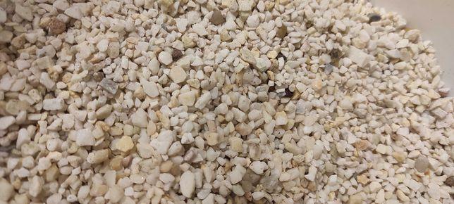 drobny biały płukany żwirek do akwarium podłoże akwarystyczne