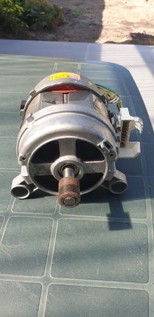 Silnik pralki AEG Lavamat 56140