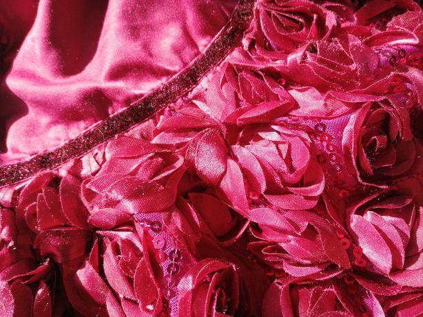 Elegancka, balowa, malinowa sukienka 80 Cool Club, roczek, róże