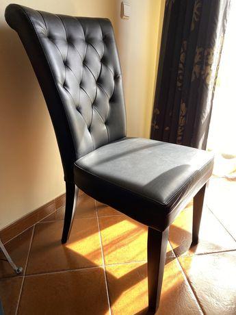 Cadeira de Jantar preta estufada