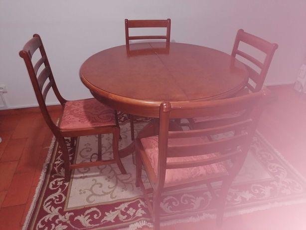Mesa jantar e 4 cadeiras de cerejeira