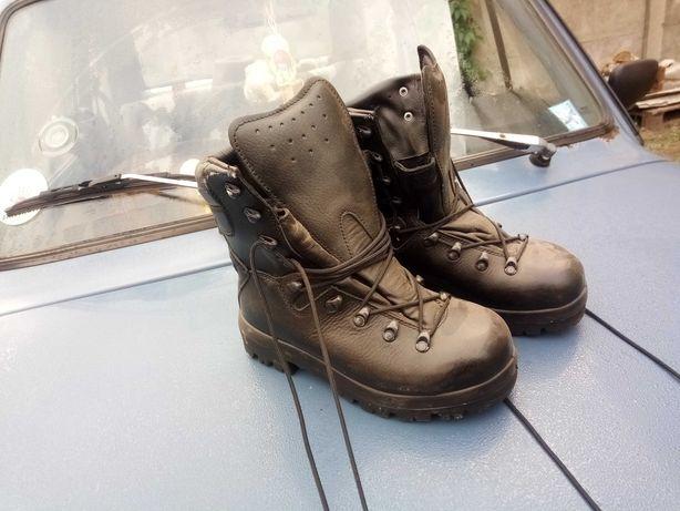 Nowe buty wojskowe nr 24