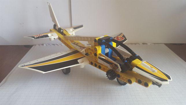 LEGO Technic 42044 Display Team Jet (Оригинал)