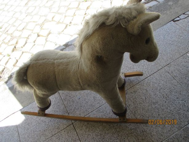 Cavalo de baloiço