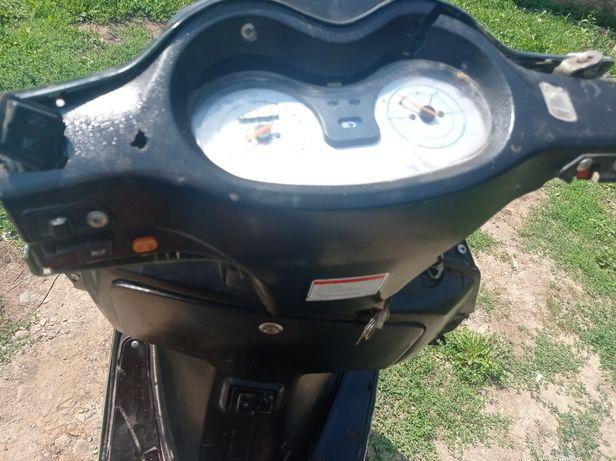 Продам скутер 80 кубів
