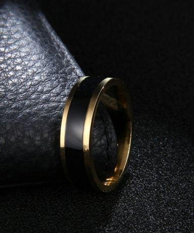 Złote (18k) obrączki z onyksem - ślub, zaręczyny, odnowa przysięgi;