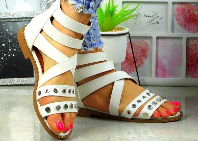 Sandałki. Nowe.