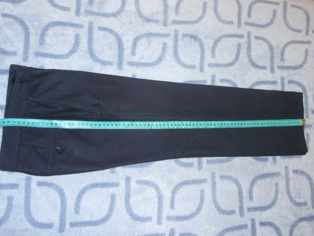 Школьные брюки 34 размер.Длина 78 см.
