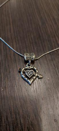 Кулон сердце со стрелой на бижутерной цепочке