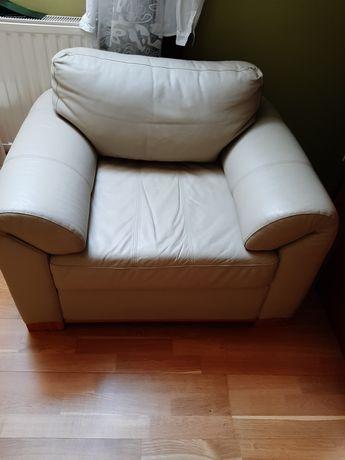 Fotel, naturalna skóra, ecru beżowy, stan bardzo dobry, rzadko używany