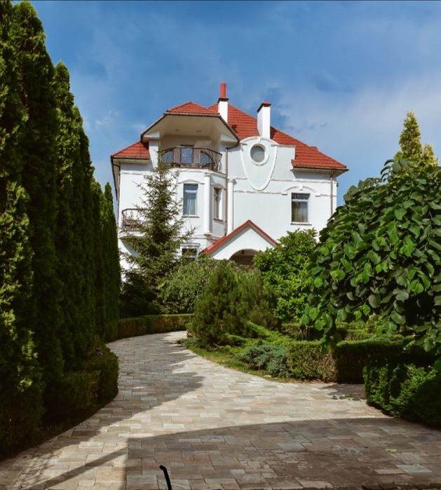 Оренда будинку Bortnichi House-1