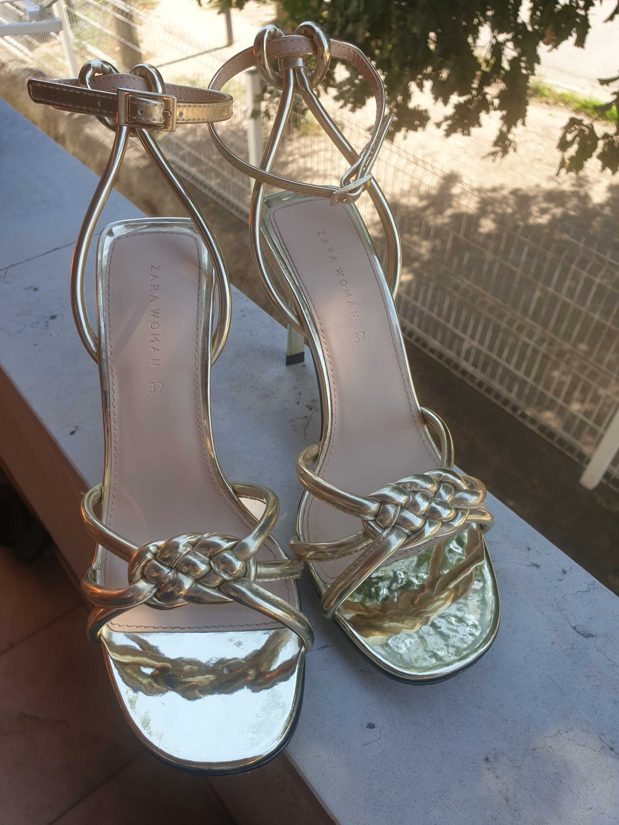 Sapatos Zara novos