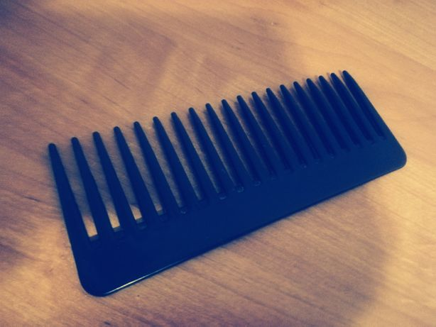 Sprzedam grzebyk :) Grzebień do włosów, czarny, podręczny grzebień