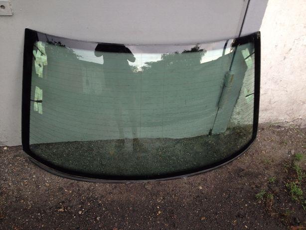 Заднее стекло,редуктор, рама редуктора BMW E36 седан