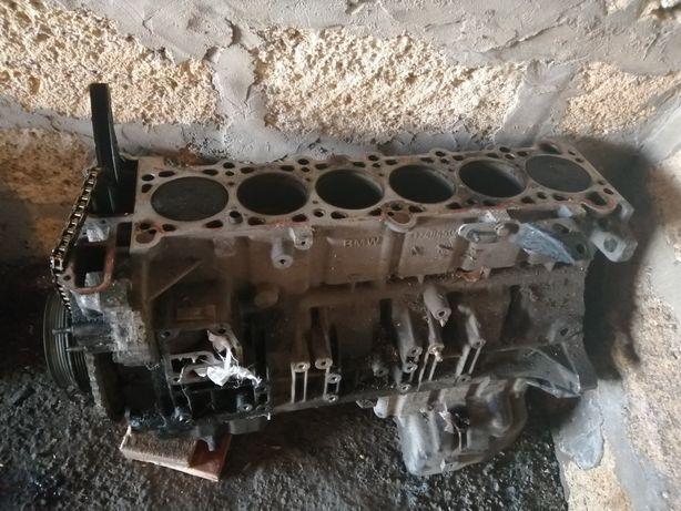 Продам двигатель Бмв Е39 2.0 л, без ГБЦ