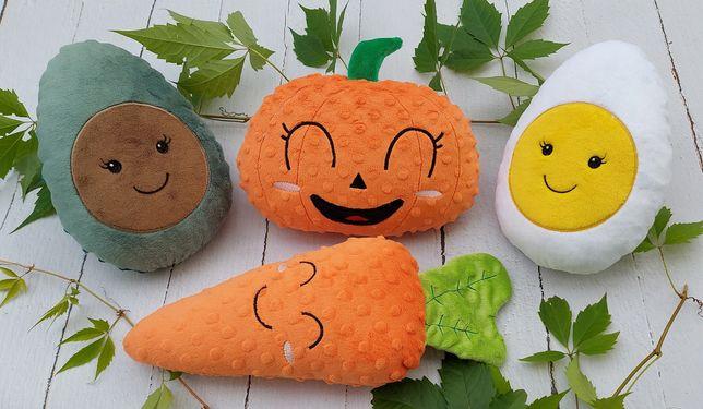 Warzywa i owoce pluszowe. Pluszowe jedzenie