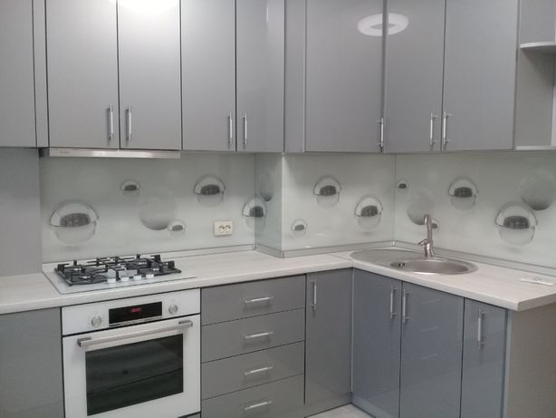 Скинали стеклянные декоративные панели для кухни.