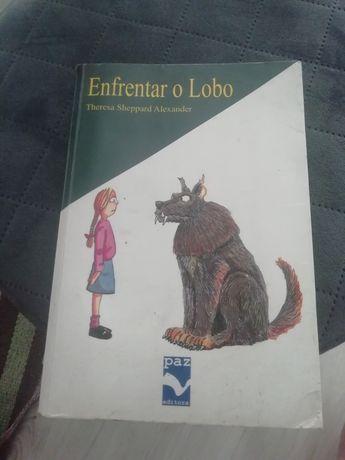 Livro Enfrentar o lobo