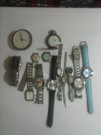Lote de 13 relógios.