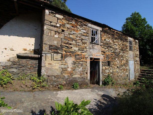 Quintinha para restaurar em Castelo de Paiva