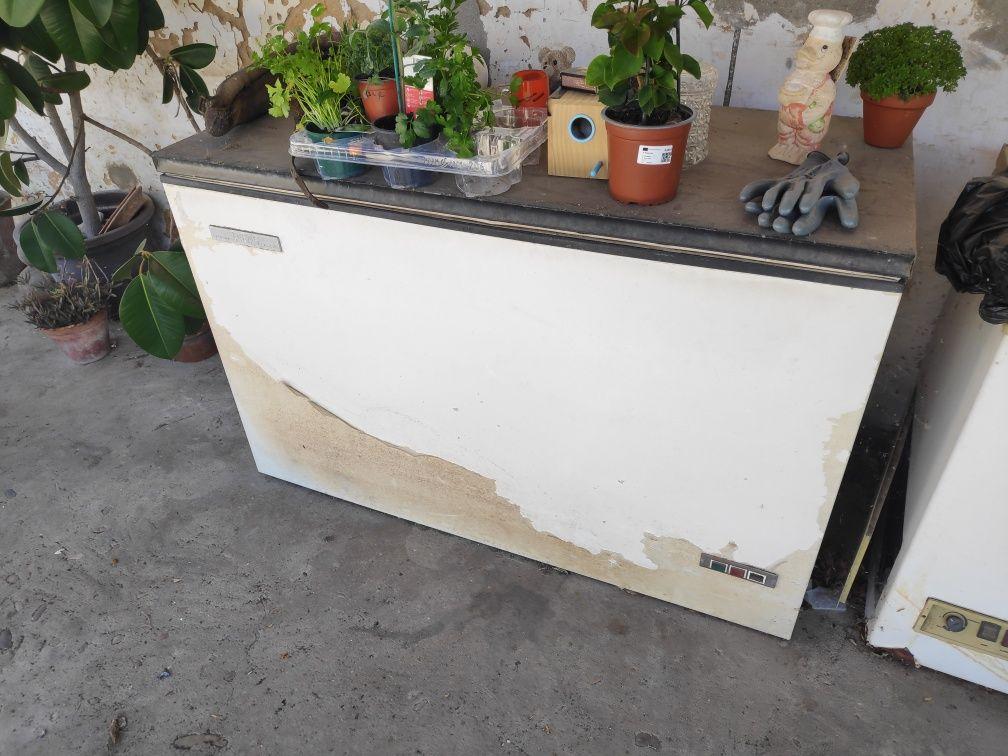 Arcas  frigoríficas sem motor