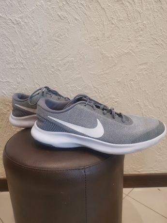 Buty Nike, r. 44