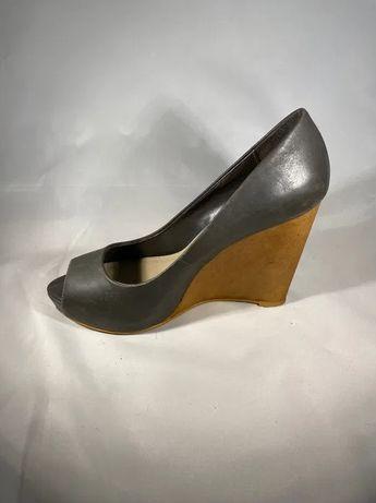 Sapatos ZARA cunha tamanho 35