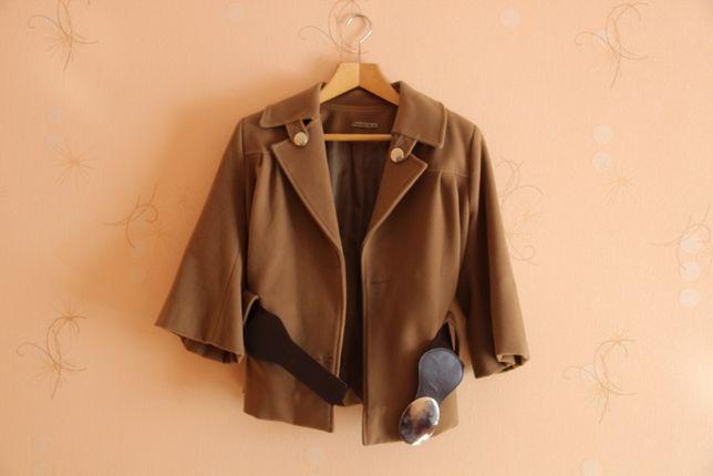 Продам демисезонное пальто Осень-весна Размер L Состояние отличное