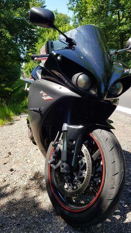 Yamaha R1 rn22 quickshifter