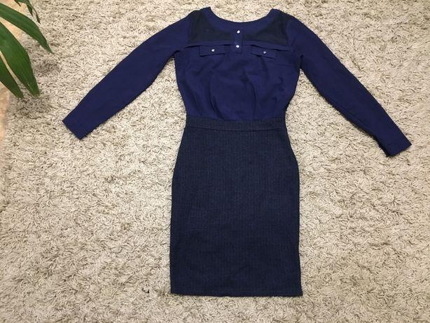 Платье М-размер